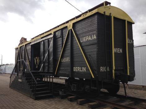 Eisenbahnwagon im Holocaust-Museum in Riga